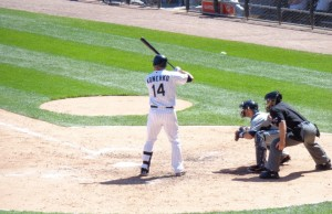Paul_Konerko_batting_against_the_Detroit_Tigers_in_2012