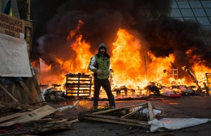 Riot police surround protest camp in central Kiev